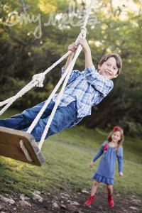 Amy Melsa Photography demonstrating how kids at play are great family photographs